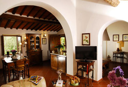 beautiful apartment in hamlet tuscany