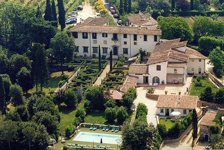 Apartments for rent in a villa in florence tuscany for Villas firenze