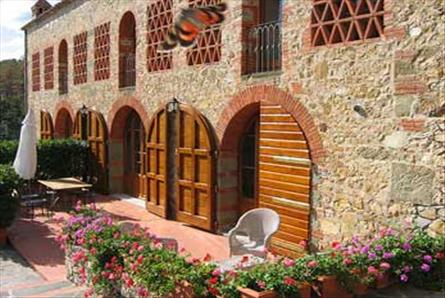 apartment for rent in castle in tuscany