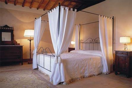 suite in tuscany with pool
