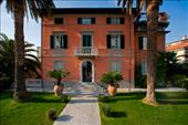 accommodations in pietrasanta lucca