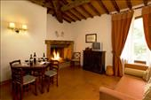 accomodation in tuscany for group