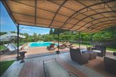 apartments for group with swimmingpool in chianti