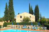 Exclusive hotel in Chianti with swimming pool