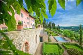 Exclusive apartments in Tuscan countryside