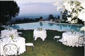 wedding by the pool in tuscany